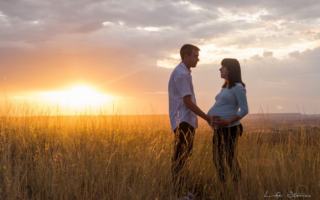 Reportaje de embarazo en exteriores cerca de Lleida
